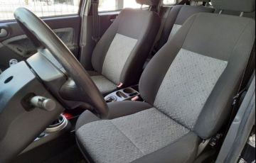 Ford Fiesta 1.6 MPi Class Hatch 8v - Foto #6