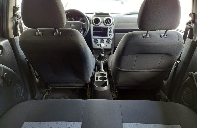 Ford Fiesta 1.6 MPi Class Hatch 8v - Foto #7