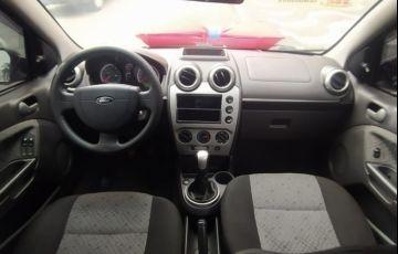 Ford Fiesta 1.6 Rocam Hatch 8v - Foto #6