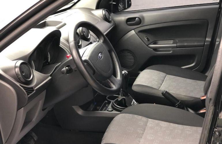 Ford Fiesta 1.0 MPi Hatch 8v - Foto #4