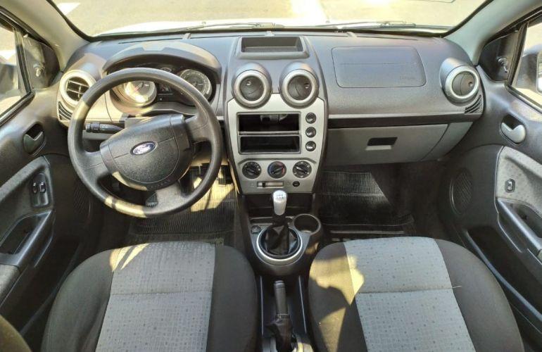 Ford Fiesta 1.6 Rocam SE 8v - Foto #9
