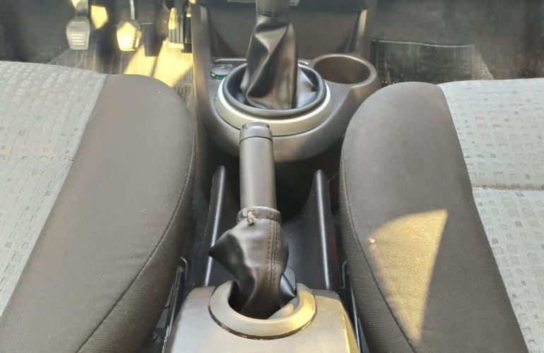 Ford Fiesta 1.6 Rocam SE 8v - Foto #10