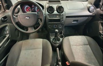 Ford Fiesta 1.0 Rocam SE Plus Hatch 8v - Foto #10