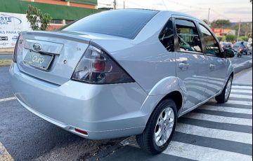 Ford Fiesta 1.0 Rocam SE Plus Sedan 8v - Foto #8