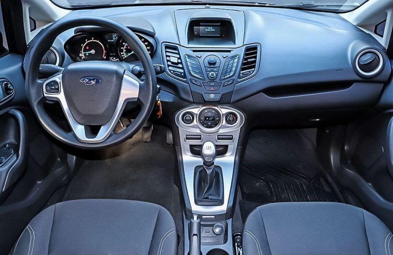 Ford Fiesta 1.6 SE Sedan 16v - Foto #5