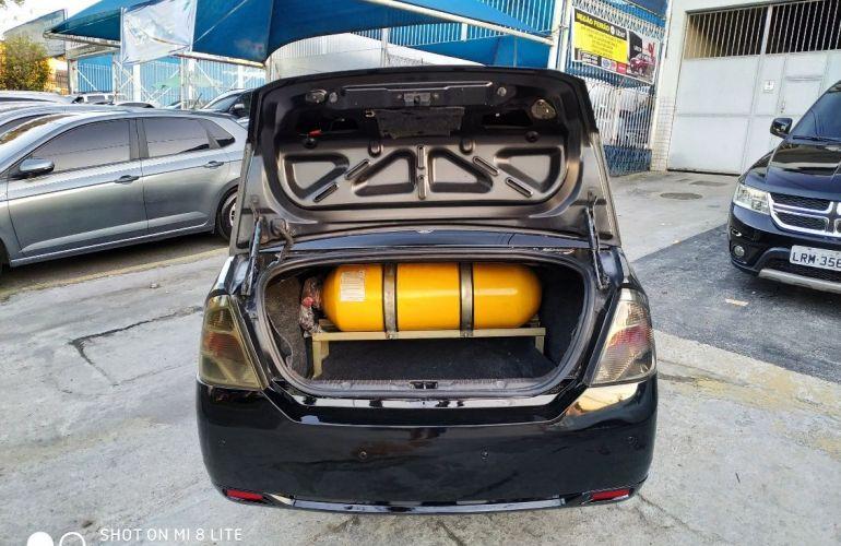 Ford Fiesta 1.6 Rocam Sedan 8v - Foto #10