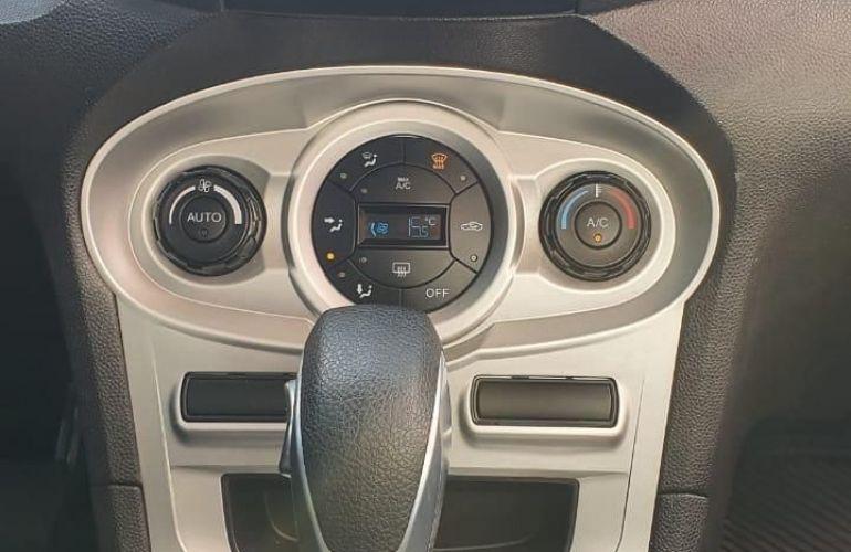 Ford Fiesta 1.6 SE Sedan 16v - Foto #4