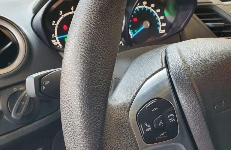 Ford Fiesta 1.6 SE Hatch 16v - Foto #8