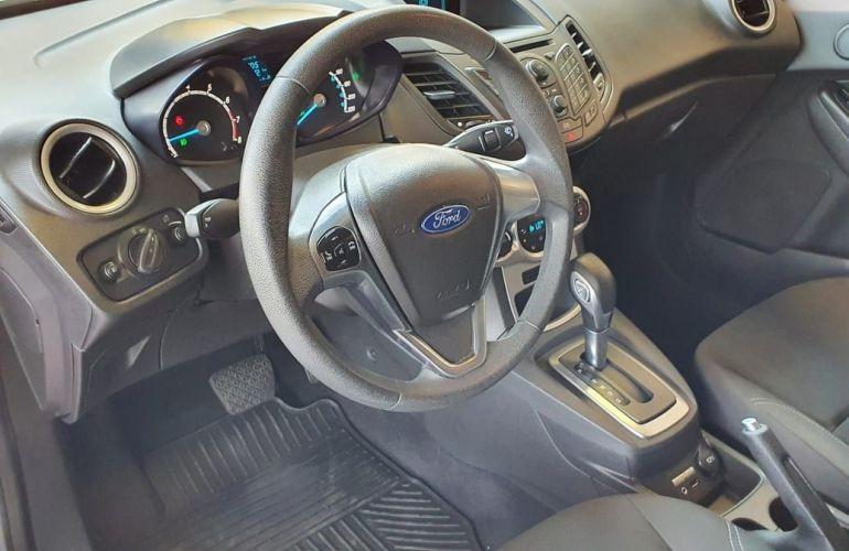 Ford Fiesta 1.6 SE Hatch 16v - Foto #9