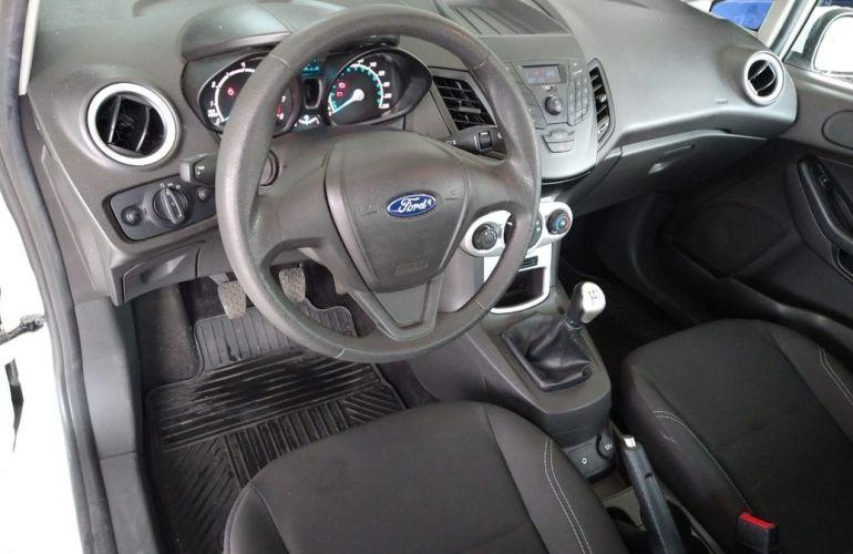 Ford Fiesta 1.6 SE Hatch 16v - Foto #6