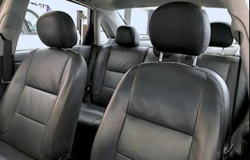 Ford Focus 2.0 Ghia Sedan 16v - Foto #6