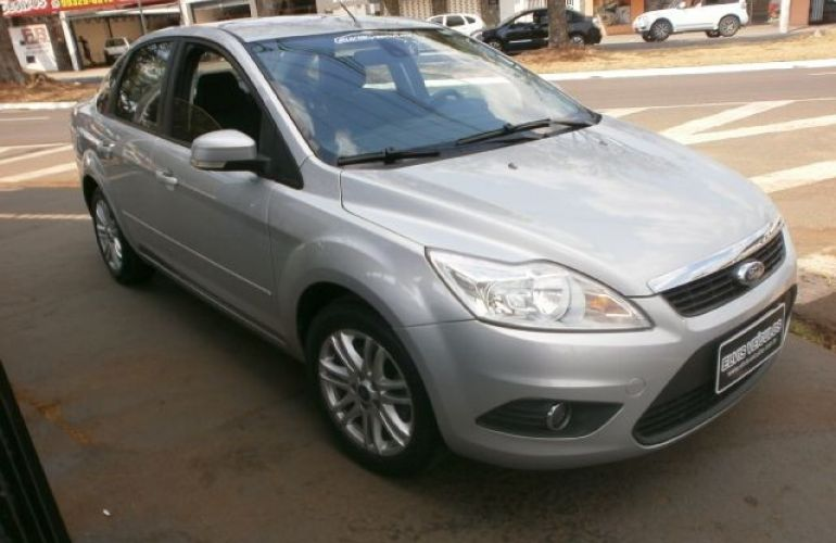 Ford Focus 2.0 Glx Sedan 16v - Foto #4
