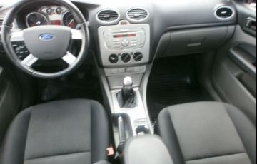 Ford Focus 2.0 Glx Sedan 16v - Foto #9