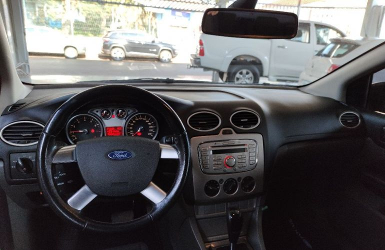 Ford Focus 2.0 Glx Sedan 16v - Foto #6