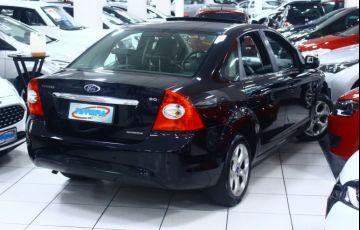 Ford Focus 2.0 Titanium Sedan 16v - Foto #2