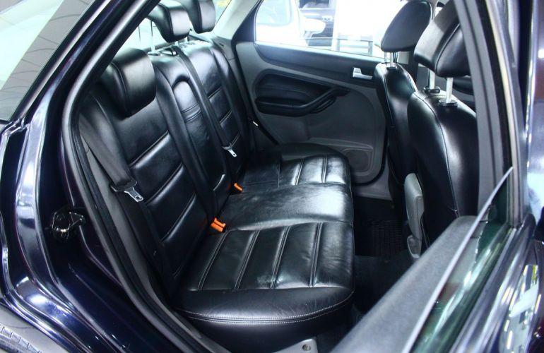 Ford Focus 2.0 Titanium Sedan 16v - Foto #4