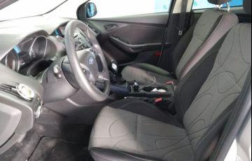 Ford Focus 1.6 S Sedan 16v - Foto #8