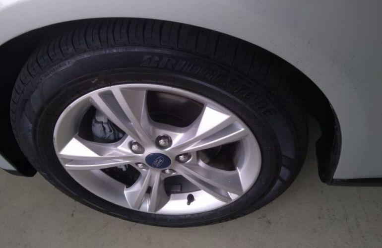 Ford Focus 1.6 SE 16v - Foto #3