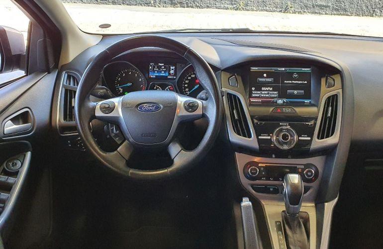Ford Focus 2.0 Titanium 16v - Foto #5