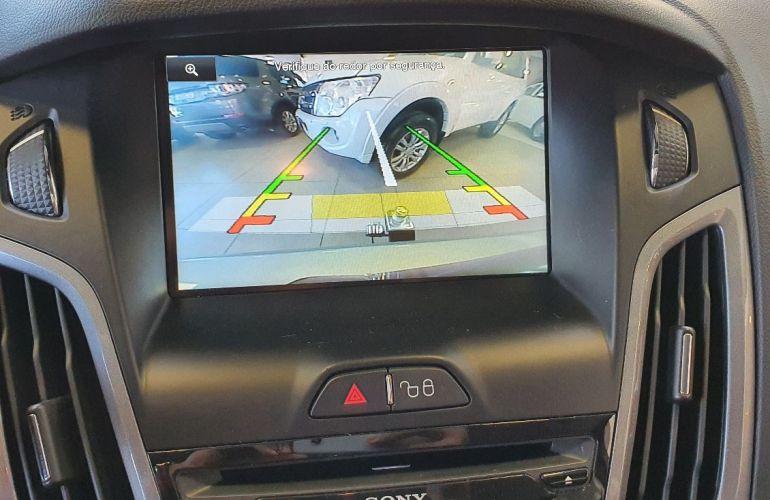 Ford Focus 2.0 Titanium 16v - Foto #10