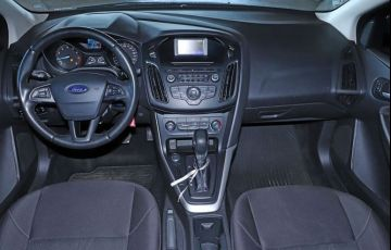 Ford Focus 2.0 SE Plus Fastback 16v - Foto #4