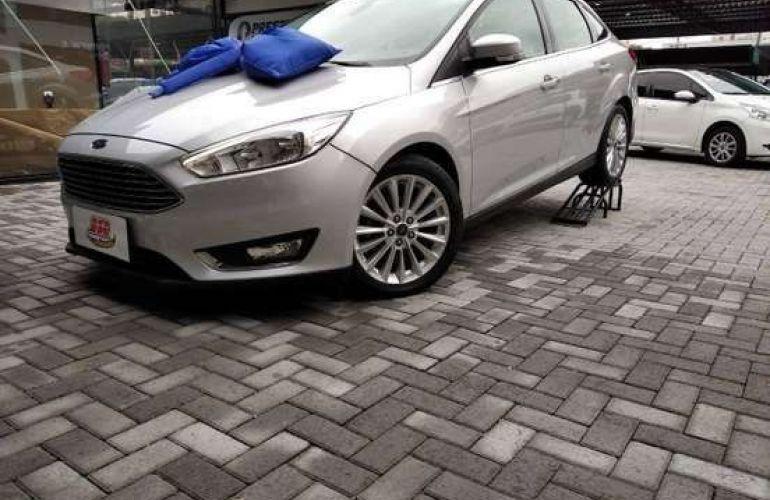 Ford Focus 2.0 Titanium Plus Fastback 16v - Foto #1