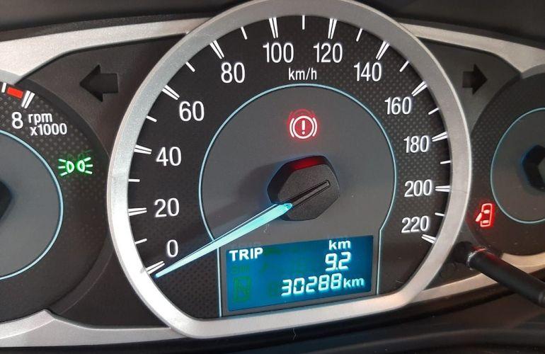 Ford Ka + 1.5 Sigma Se - Foto #9