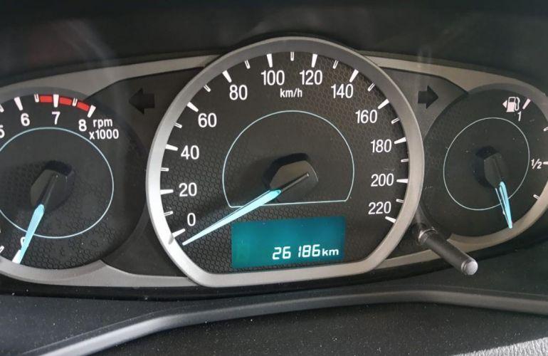 Ford Ka + 1.5 Sigma Advanced - Foto #9
