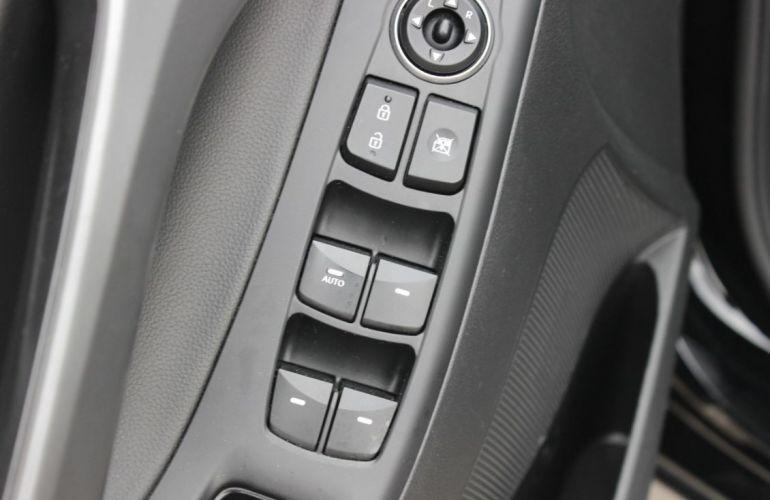 Hyundai Elantra 2.0 GLS 16v - Foto #9