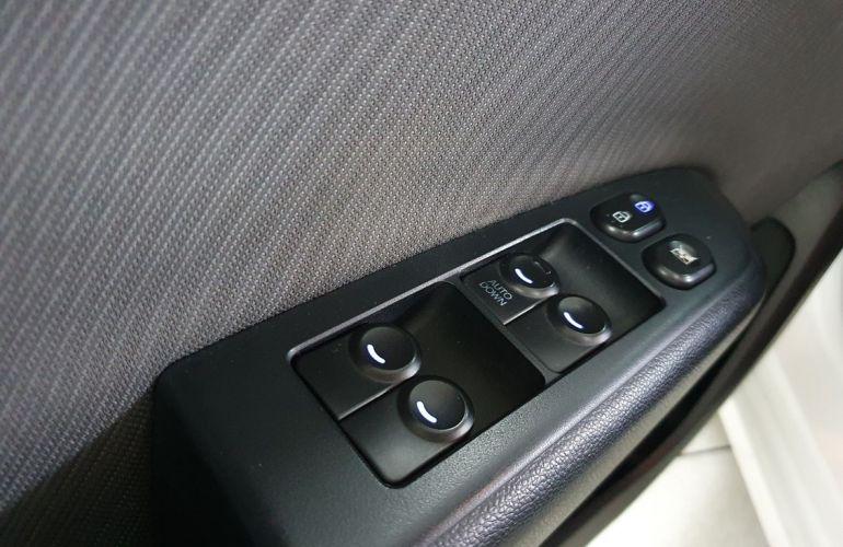 Hyundai Hb20s 1.6 Comfort Plus 16v - Foto #9
