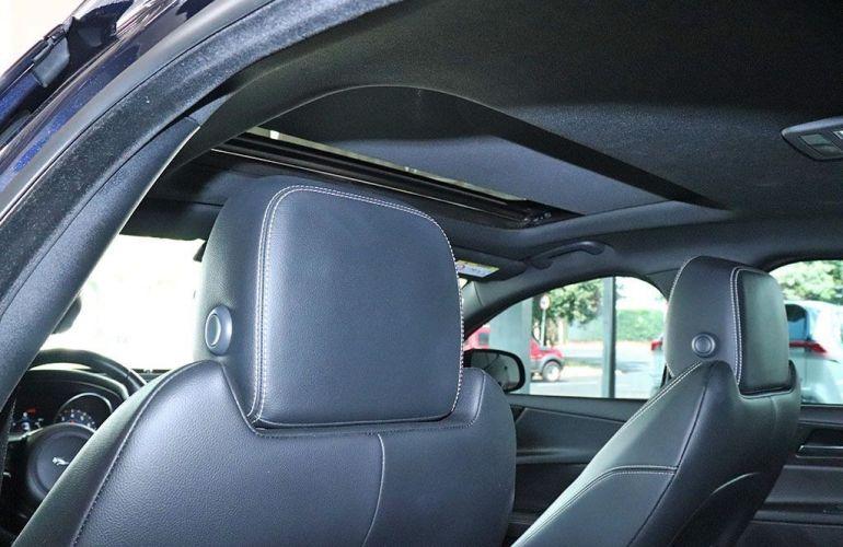 Jaguar Xe 2.0 16V Si4 Turbo R-sport - Foto #6