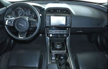 Jaguar Xe 2.0 16V Si4 Turbo R-sport - Foto #10