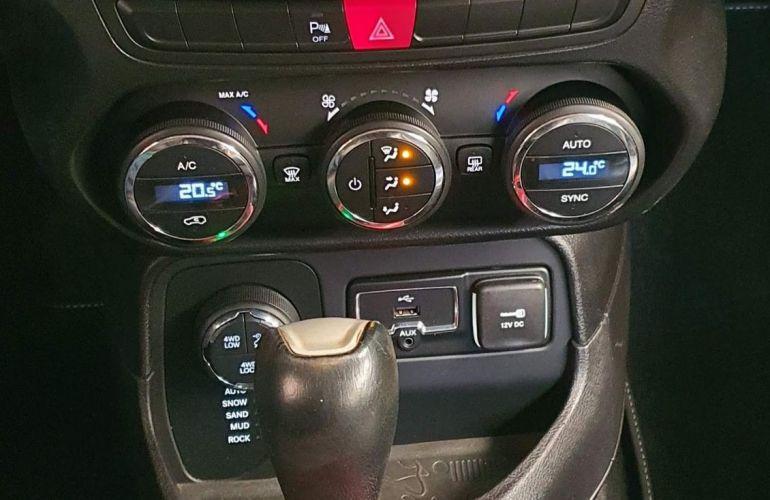 Jeep Renegade 2.0 16V Turbo Trailhawk 4x4 - Foto #9