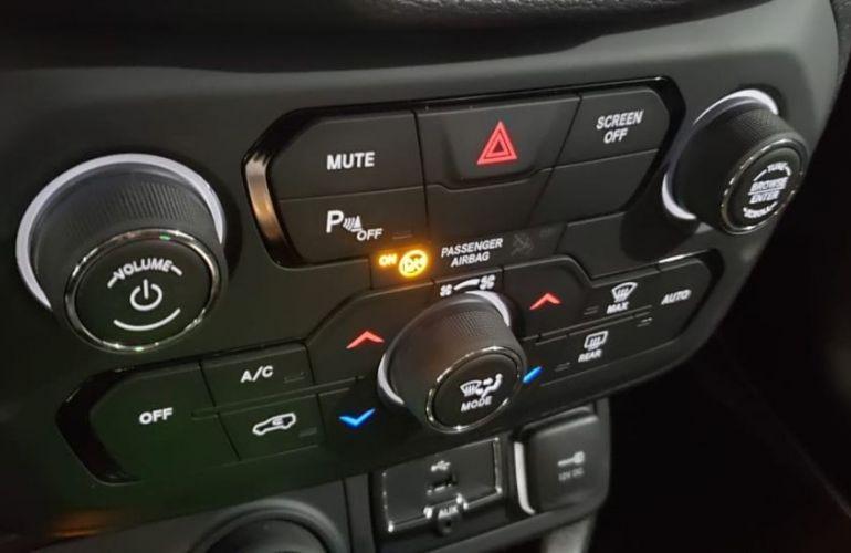 Jeep Renegade 2.0 16V Turbo Longitude 4x4 - Foto #3