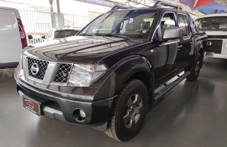 Nissan Frontier 2.5 Le Attack 4x4 CD Turbo Eletronic - Foto #2