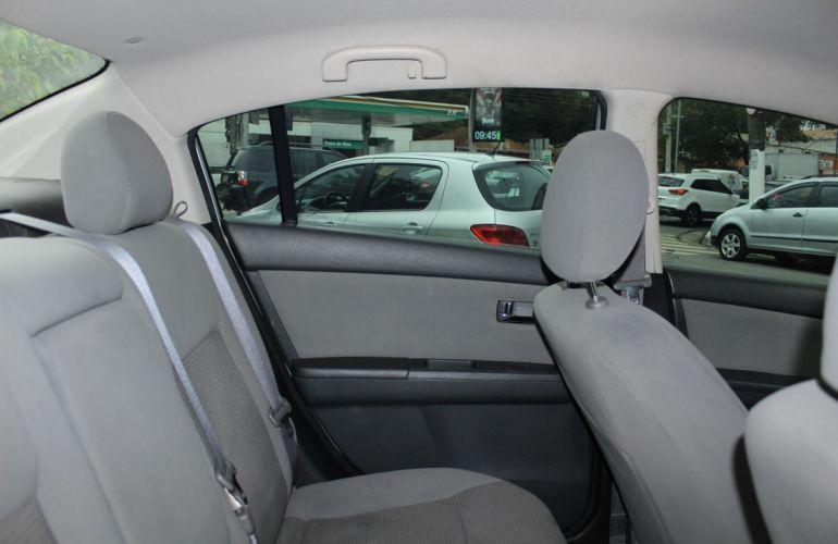 Nissan Sentra 2.0 16V - Foto #9