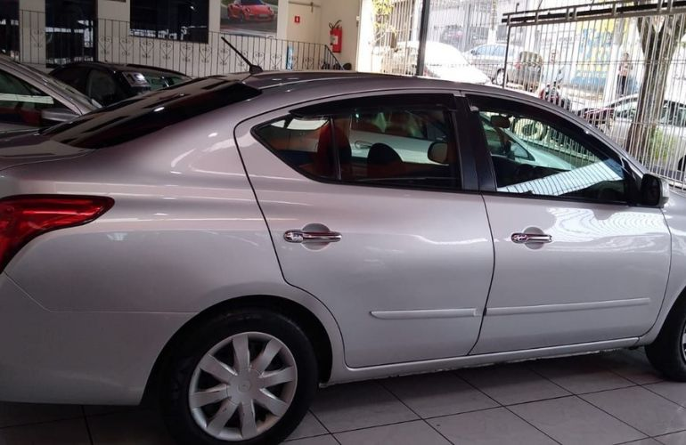 Nissan Versa 1.6 SV 16v - Foto #10