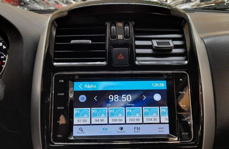 Nissan Versa 1.6 16V Flexstart Unique - Foto #8