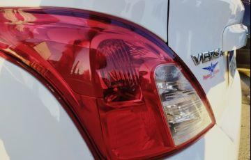 Nissan Versa 1.0 12v - Foto #3