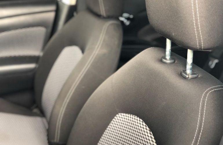 Nissan Versa 1.6 16V Flexstart S - Foto #6