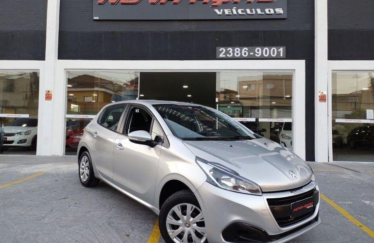 Peugeot 208 1.2 Active 12v - Foto #2