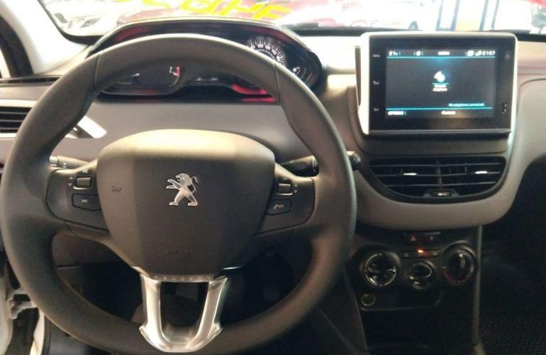 Peugeot 208 1.2 Active 12v - Foto #8