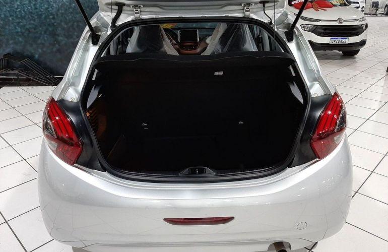 Peugeot 208 1.2 Active 12v - Foto #4