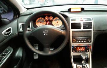 Peugeot 307 2.0 Feline Sedan 16v - Foto #2