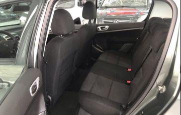 Peugeot 307 1.6 Presence Pack Sedan 16v - Foto #9