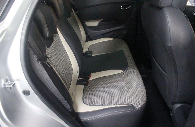 Renault Captur 2.0 16V Intense - Foto #4