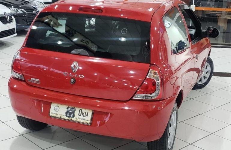 Renault Clio 1.0 Authentique 16v - Foto #6