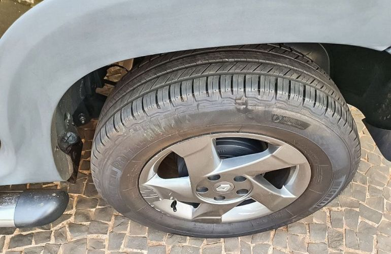 Renault Duster 2.0 Tech Road 4x2 16v - Foto #9
