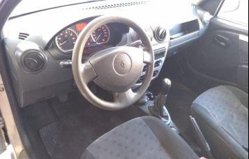 Renault Logan 1.6 Privilege 8v - Foto #3
