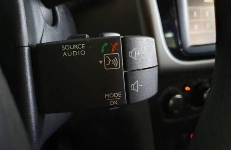Renault Logan 1.6 16V Sce Expression - Foto #9